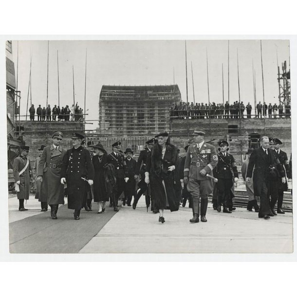 Press photo -  Admiral Horthy etc in Nürnberg 1938