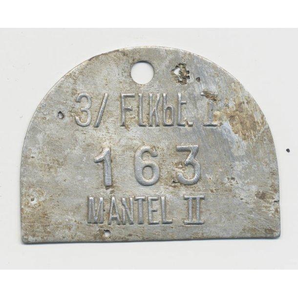 Luftwaffe 3/Flakbat coat metal tag