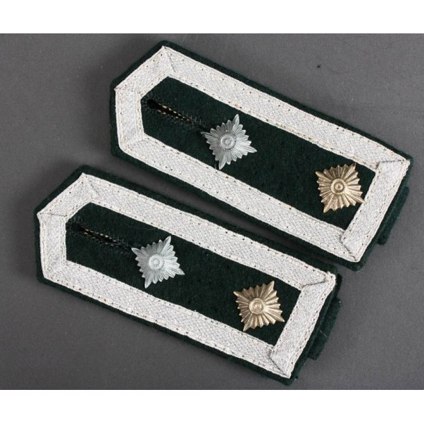 Army Infantry Oberfeldwebel's shoulder straps