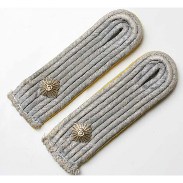 Army Signals Oberleutnant´s shoulder boards