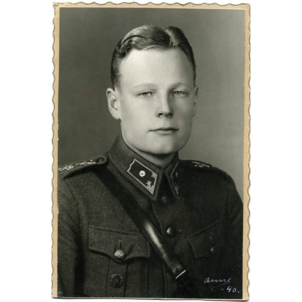 Finnish photo of a Second Lieutenant