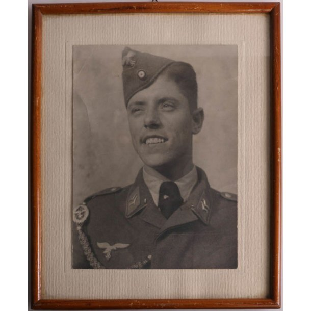 Luftwaffe soldier portrait - Framed