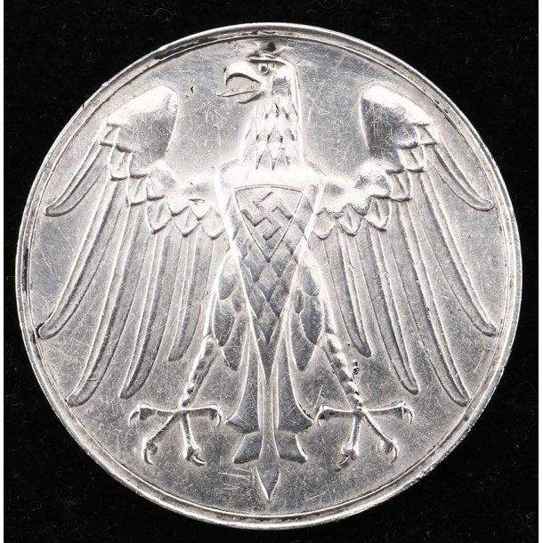 Lifesaving table medal