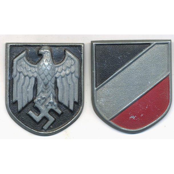 Army Tropical pith helmet insignia