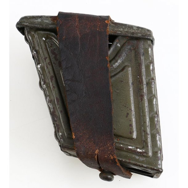 WW1 Austrian Ersatz ammo pouch in metal