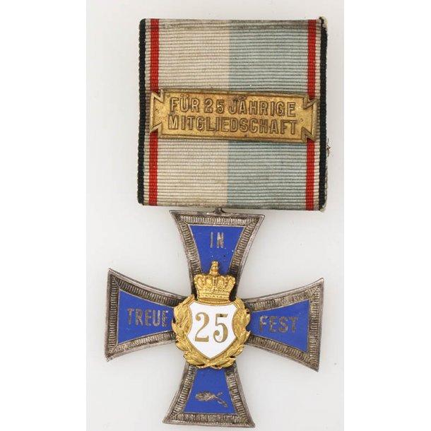 Bayern  25 y member remembrance badge