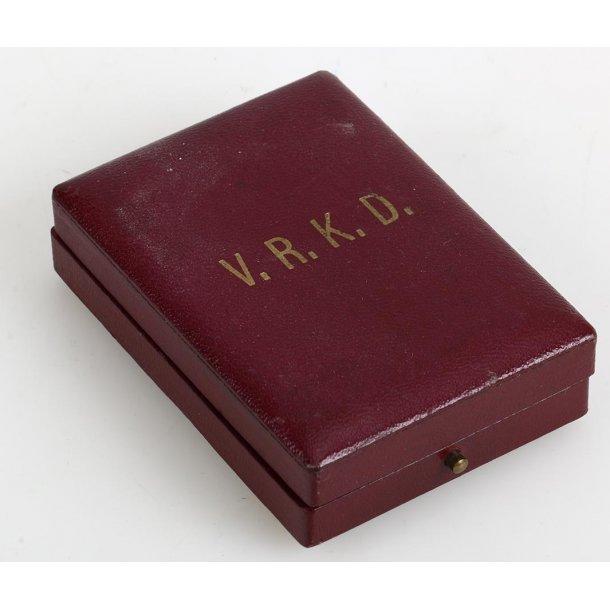 V.R.K.D - Travelling merchants -  25 y member's badge with case
