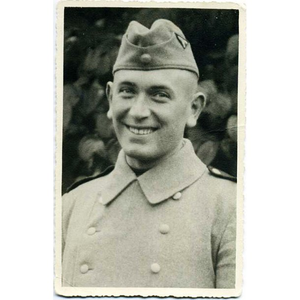 SS-VT Soldier Portrait Photo