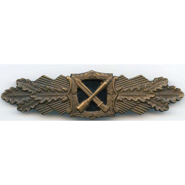 Close combat badge in bronze 1957 'Steinhauer & Luck'